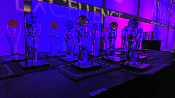 TIAO-ontario-tourism-summit-14-awards-statue