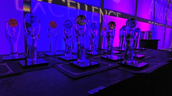 TIAO-ontario-tourism-summit-14-awards-statue