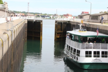 Sault-Ste-Marie-Lift-Lock-Lets-Discover-ON-3