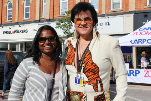 Collingwood-Elvis-Festival---Petula-and-Tiger-Elvis-photo---Lets-Discover-ON