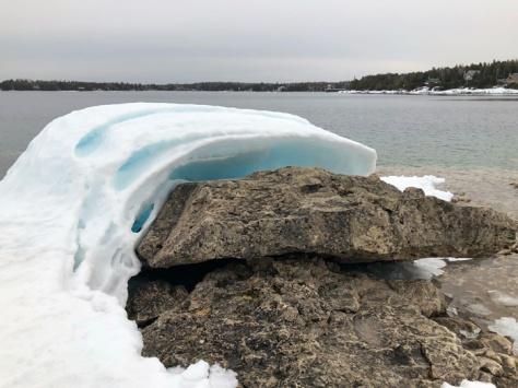 Tobermory-ice-on-rocks