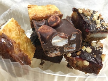 Lets-Discover-ON---stratford-chocolate-trail---black-angus-bakery-dessert-squares