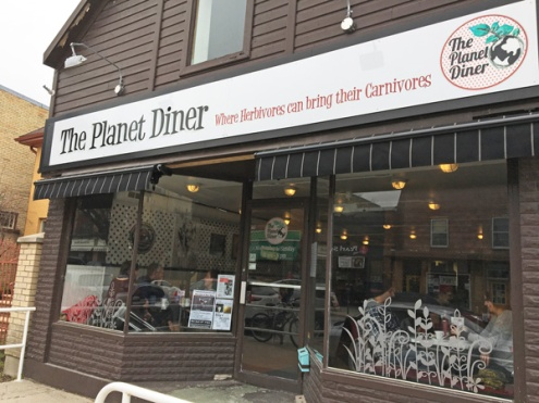 Lets-Discover-ON---stratford-chocolate-trail---the-planet-diner