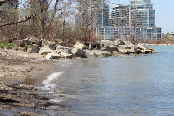 Lets-Discover-ON---Toronto-Humber-Bay---shoreline