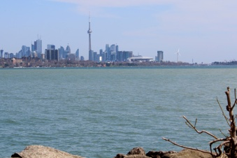 Lets-Discover-ON---Toronto-Humber-Bay---Toronto-skyline