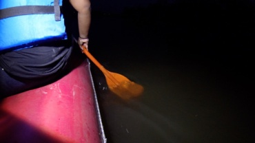 Whisper-to-the-Moon-paddle-in-water-night-Lets-Discover-ON