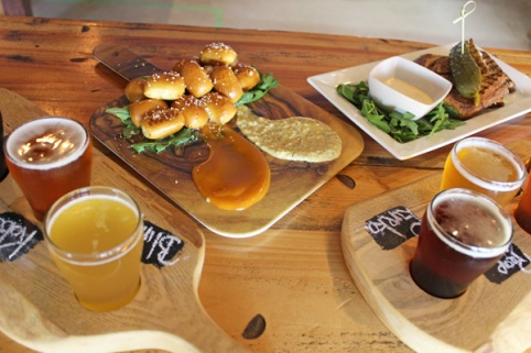 Brantford-Paris-Bell-City-Brewing-bar-snacks-Lets-Discover-ON