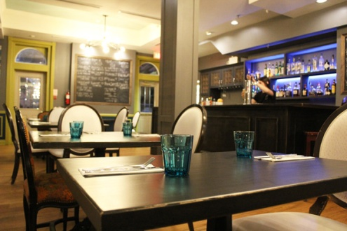 Brantford-Paris-downtown-Paris-Arlington-Hotel-Edit-Restaurant-Lets-Discover-ON