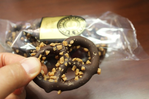 Brantford-Paris-downtown-Paris-Chocolate-Sensations-chocolate-pretzel-Lets-Discover-ON