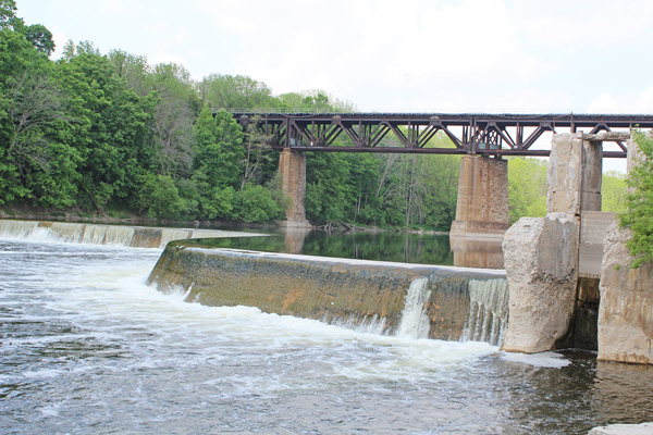Brantford-Paris-downtown-Paris-grand-river-riverbank-Lets-Discover-ON