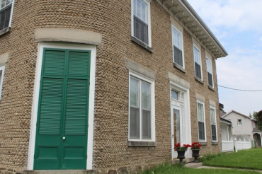 Brantford-Paris-downtown-Paris-homes-made-of-river-stone-Lets-Discover-ON