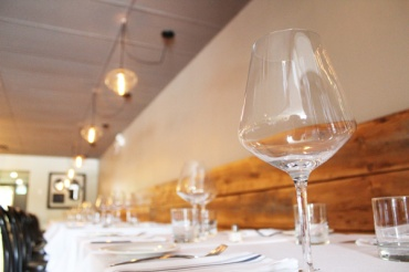 Brantford-Paris-downtown-Paris-Juniper-Dining-Co-decor--Lets-Discover-ON