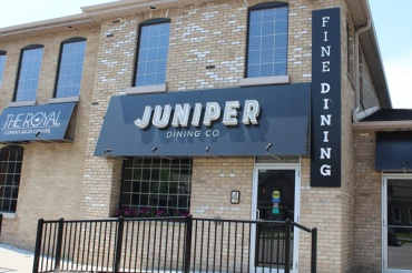 Brantford-Paris-downtown-Paris-Juniper-Dining-Co-Lets-Discover-ON