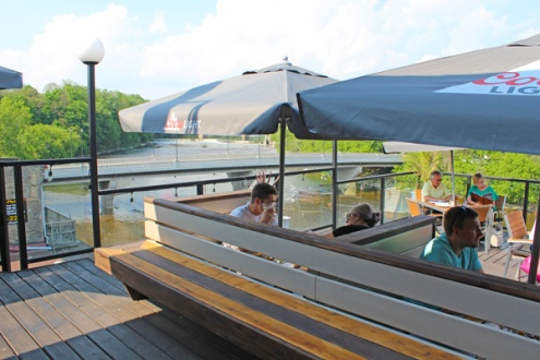 Brantford-Paris-downtown-Paris-Stillwaters-Plate-and-Pour-rooftop-patio-Lets-Discover-ON