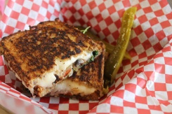 Brantford-Paris-paris-wincey-mills-grilled-cheese-Lets-Discover-ON