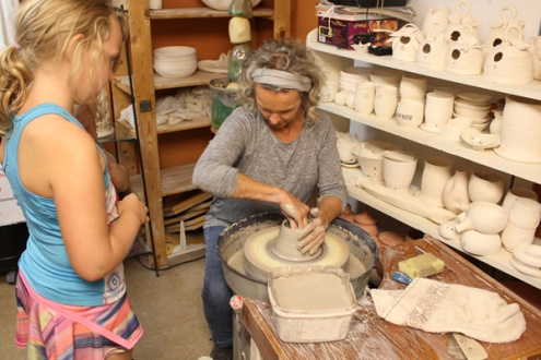 Kawartha-Autumn-Studio-Tour-potter-demo-Lets-Discover-ON