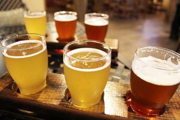 Smithavens-Brewing-beer-flights-Lets-Discover-ON
