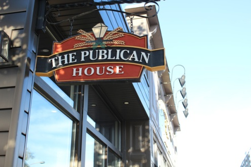 The-Publican-House-brewery-sign-Lets-Discover-ON